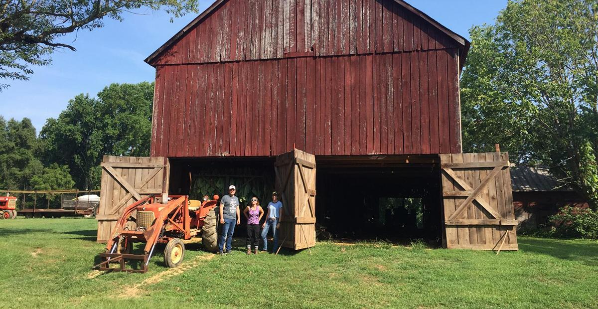 HISP students in front of a barn during the HISP summer program.